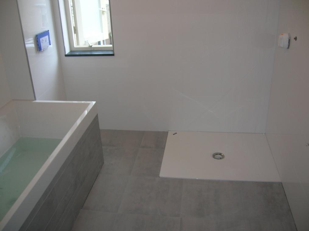 Badkamers - Bijvoorbeeld vlak badkamer ...