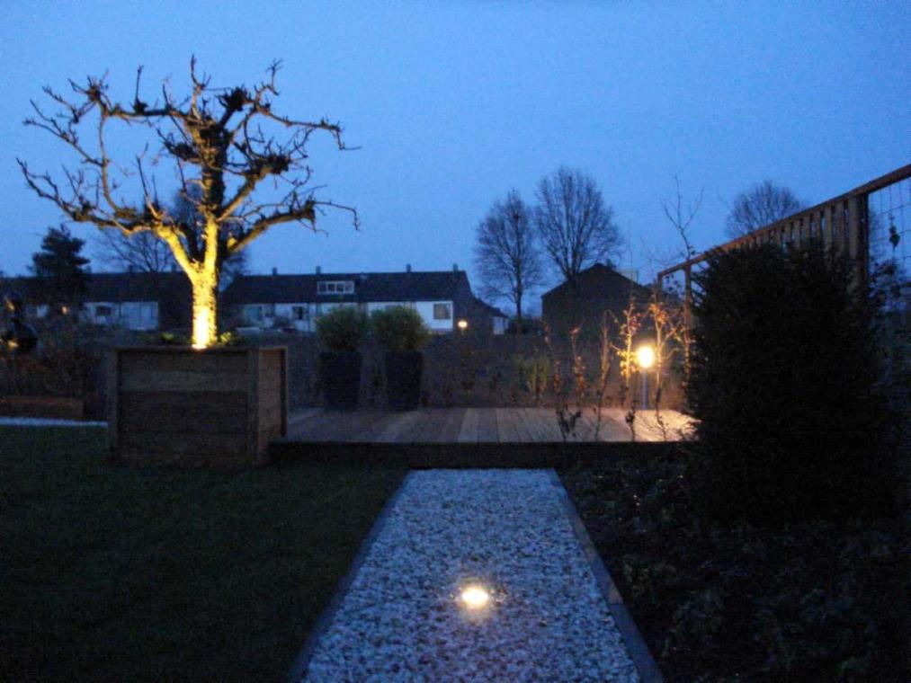 Tuinverlichting jpg for Spiegelvijver bak